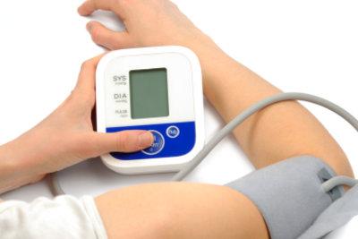 Moderne Blutdruckmessgeräte sind einfach zu bedienen.
