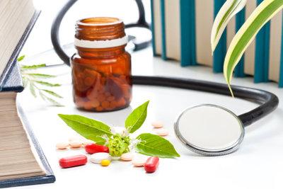 Homöopathie hilft meist sehr gut.