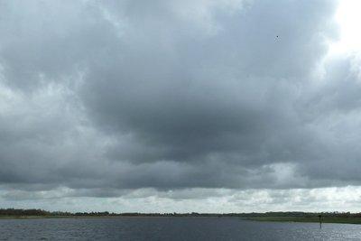 Cloud ist Englisch und bedeutet Wolke.