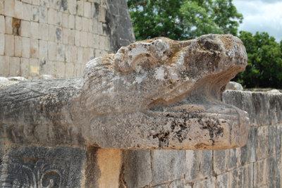 Schlangen werden in vielen Kulturen als Symbol verwendet.