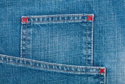 Die beigefarbene Hose als Alternative zur Jeans