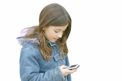 Als Kind bereits einen Handyvertrag erhalten.
