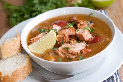 Fischfond bildet die geschmackliche Basis für zahlreiche Fischgerichte.