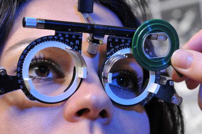 Der Brillenpass enthält alle Werte der Augenuntersuchung.