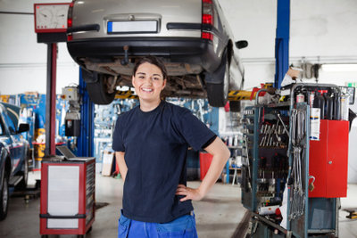 Hier werden Autos repariert und nicht gelagert.