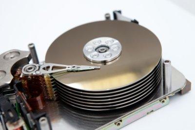 Festplatten können schon mehr als 1 Terabyte speichern.