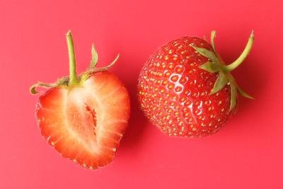 Aus Erdbeeren und Sekt lässt sich eine tolle Bowle zaubern.