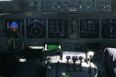 Ein Pilot muss vieles gleichzeitig beachten können.