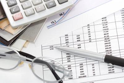 Bei komplizierten Fällen und langen Zahlenkolonnen hilft der Steuerberater.