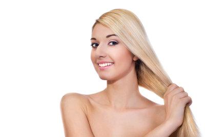 Färben Sie Ihr Haar blond, ohne es zu beschädigen