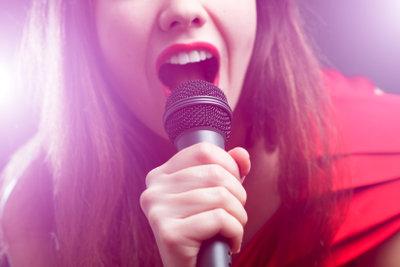 Schonen Sie Ihre Stimme.