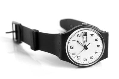 Das Uhrenglas sollte man regelmäßig polieren.