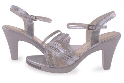 Offene Schuhe als Tanzschuhe verwenden.
