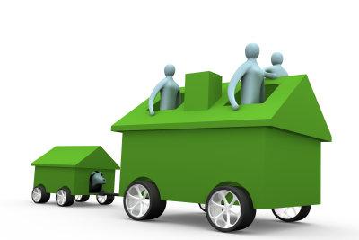 Ideal für den Familienausflug - Auto mit Anhänger