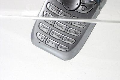 Bei einem Handyschaden ist man froh um frühzeitige Handyvertragsverlängerung.