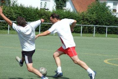 Auf FIFA 12 ist es ein probates Mittel, Fouls zu provozieren.