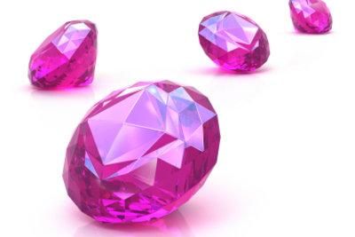 """Den pinken Diamanten bei Sims 3 """"Edelsteine"""" finden"""