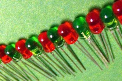 LED-Leisten aus LEDs herstellen