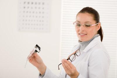 Beim Optiker beraten lassen