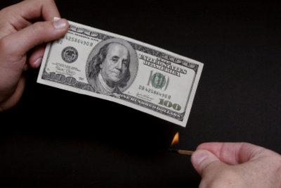 Nicht nur das Verbrennen von Geld zeugt von Dekadenz.