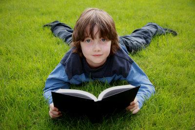 Auch Lesen kann glücklich machen.