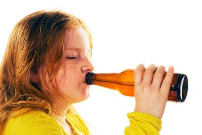 Leichter Alkohol ist erst ab 16 Jahren erlaubt.