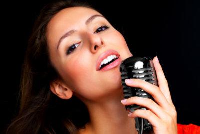 Verbessern Sie Ihre Stimme durch regelmäßige Übungen.