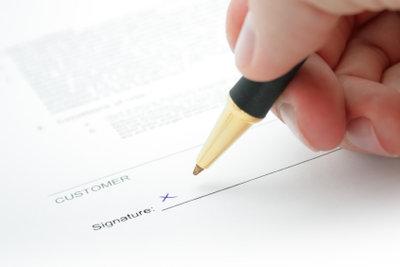 Lassen Sie eine Unterschrift vom Notar beglaubigen.