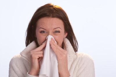 Ständiges Putzen lässt die Nase wund werden.