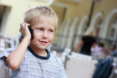 Besonders Kinder sind durch Handystrahlung gefährdet.