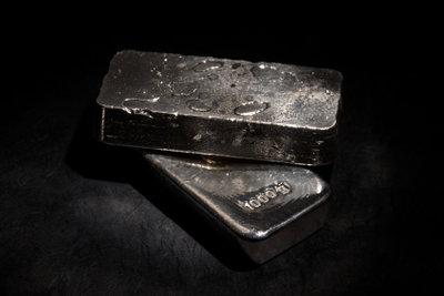 Silber ist einer der wertvollsten Rohstoffe der Erde.