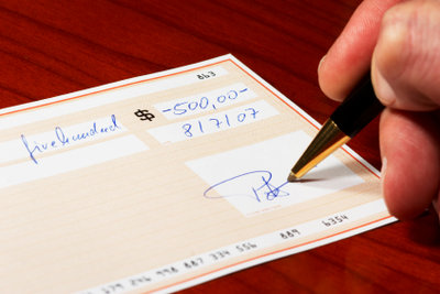 Schecks sind Vorlegepapiere.