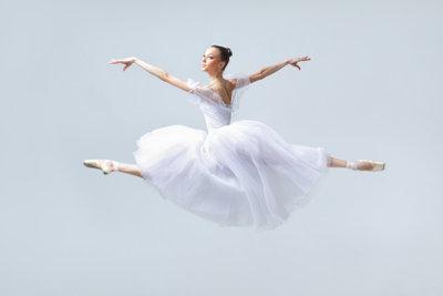 Kleiden Sie sich elegant wenn Sie ins Ballett gehen.