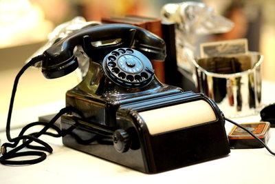 Telefonstreiche über das Internet durchführen.