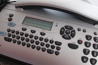 Der Anrufbeantworter hat ausgedient: Mittlerweile bietet jedes Handy eine eigene Mobilbox.