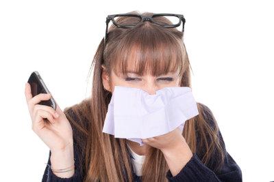 Inhalieren befreit die Nase.