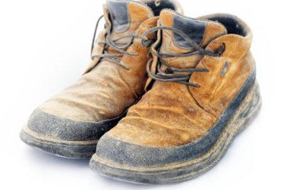 Jetzt unansehnlichen Schuhen neuen Glanz einhauchen