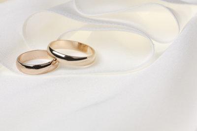 Hochwertige Ringe lassen sich in der Regel gut weiten.