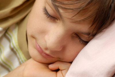 Kopfkissen für Kinder sollten gut ausgesucht werden.