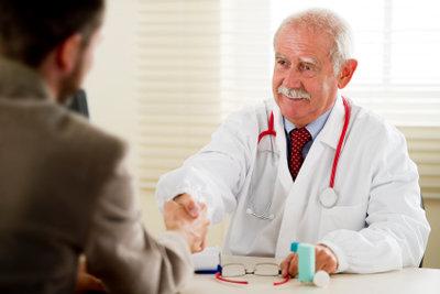 Suchen Sie bei hartnäckigen Erkrankungen während der Ausbildung den Arzt auf.