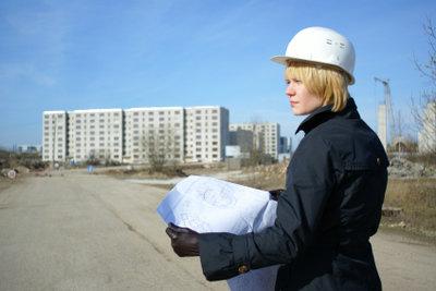 Bei großen Bauvorhaben stellt das beauftragte Baubüro den Bauantrag