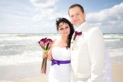 Eine Hochzeit im Ausland planen.