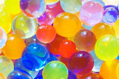 Hydroperlen bestechen vor allem durch ihre farbenfrohe Optik.
