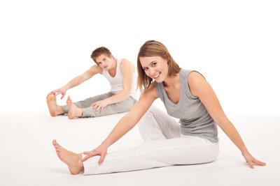 Eine schlanke Taille bekommt man mit den richtigen Übungen.