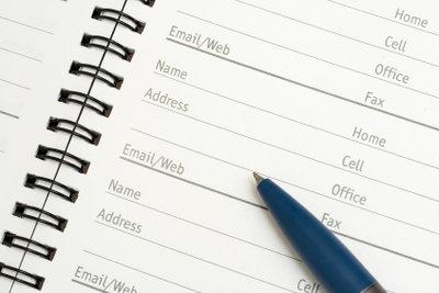 In Outlook können Sie Kontakte eintragen.