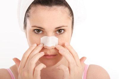 Nasenstrips können für reinere Haut sorgen.