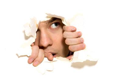 Introvertierte Menschen gehen oft weniger aus sich heraus.