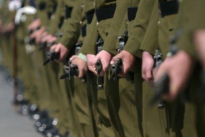 Die Bundeswehr hat ein bestimmtes Eintrittsalter als Voraussetzung.
