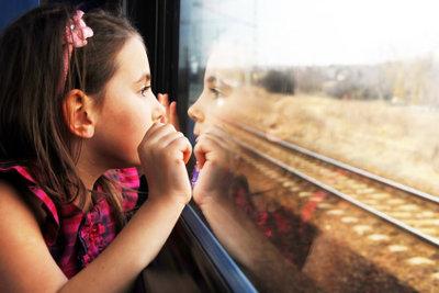 So reisen Kinder mit Zugbegleiter.