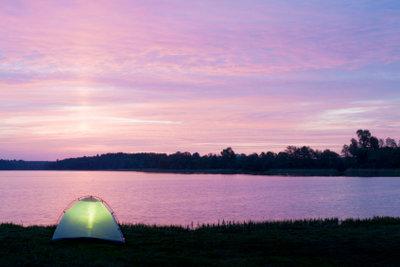 Camping kann sehr romantisch sein.